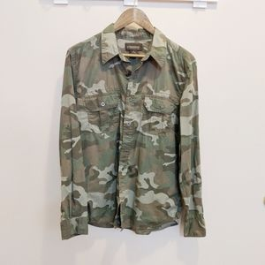 Tops - ❄️Camouflage Button Up Blouse Size Medium